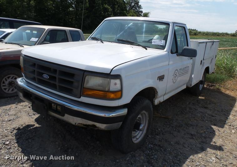 1995 Ford F250 utility bed pickup truck