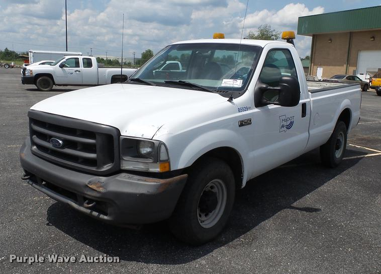 2003 Ford F250 Super Duty pickup truck