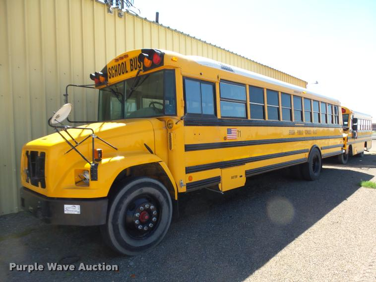 2003 Freightliner FS65 Thomas school bus