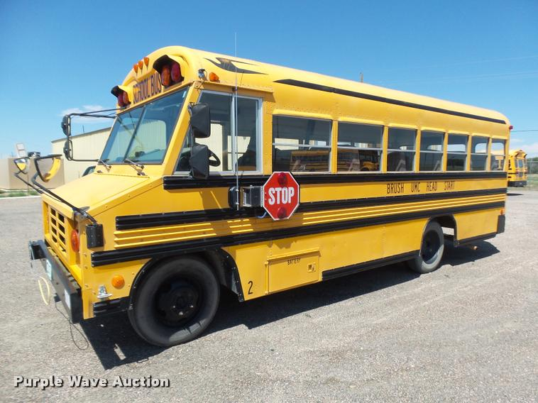 2000 Workhorse P30 Blue Bird school bus