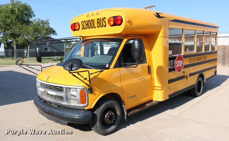 2002 Chevrolet Express G3500 school bus