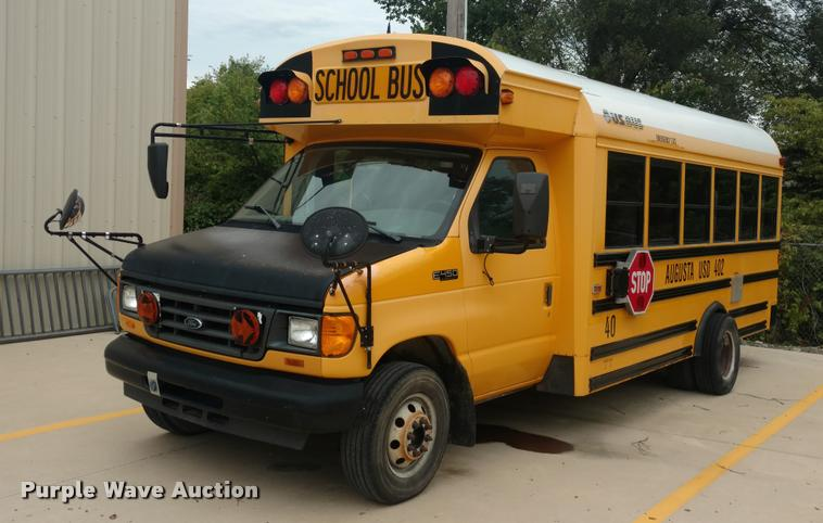 2004 Ford E450 school bus