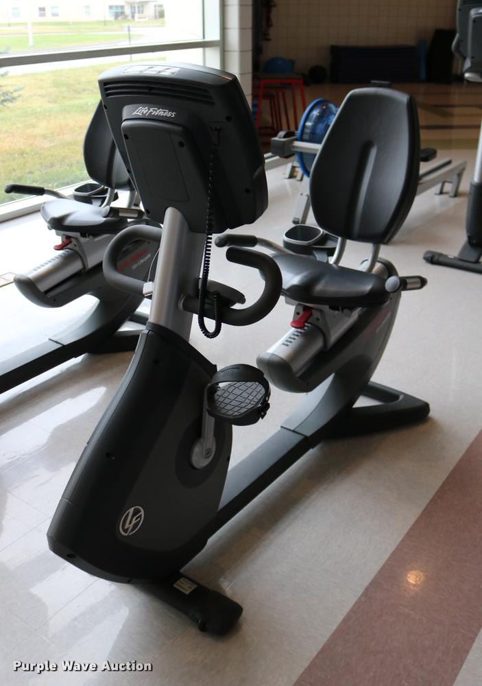 Life Fitness 95R recumbent bike
