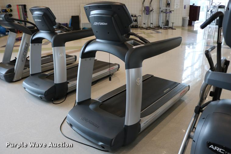 Life Fitness Flex Deck 95T treadmill