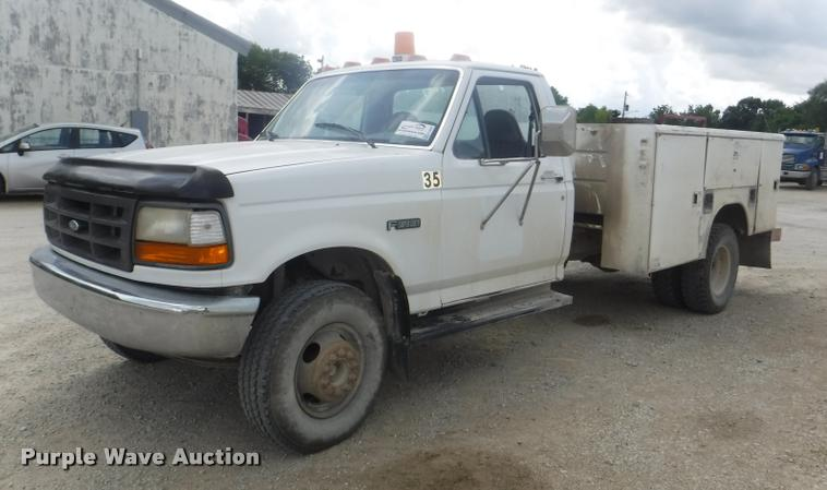 1997 Ford F450 Super Duty XL utility truck