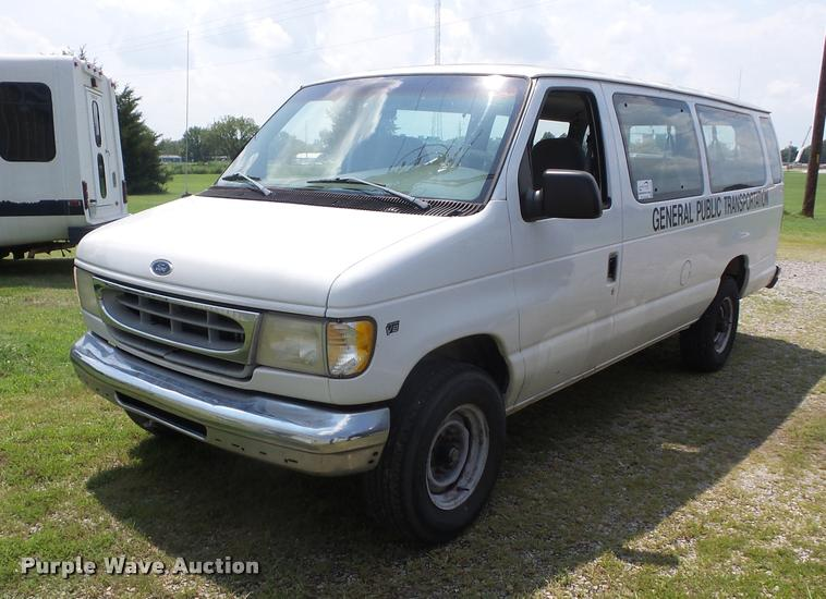 1998 Ford Club Wagon E350 XL Super van