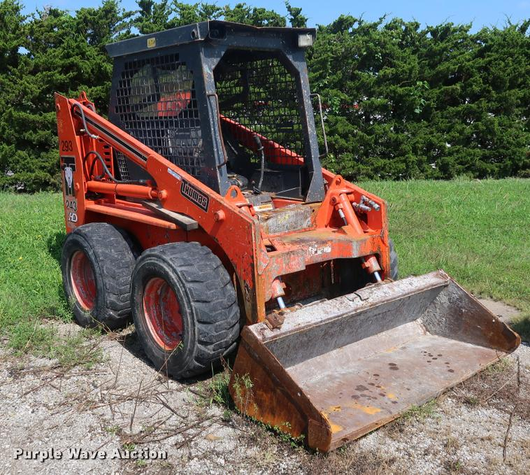 Thomas 243HD skid steer