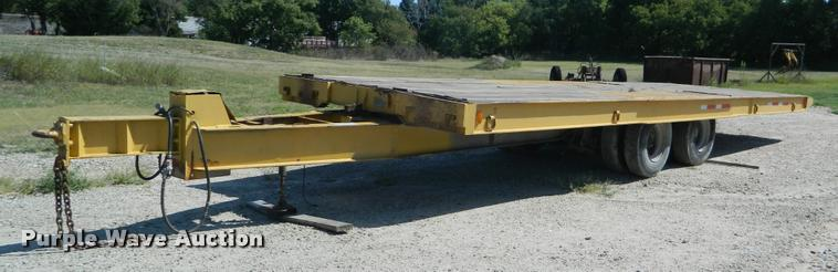 1985 Moore tilt deck equipment trailer