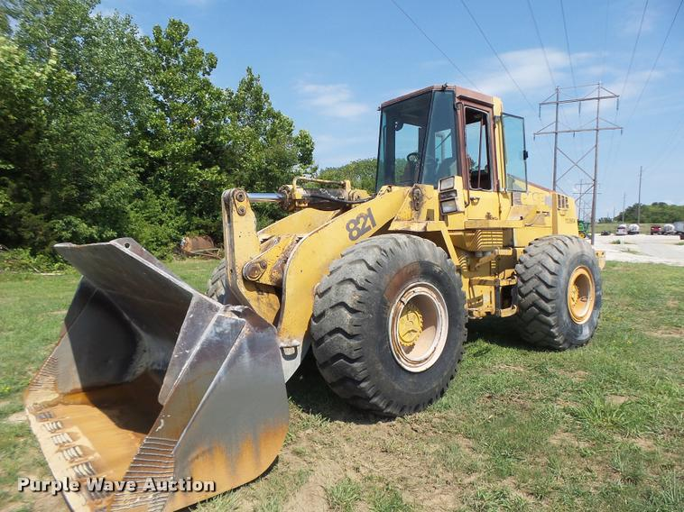 Case 821 wheel loader