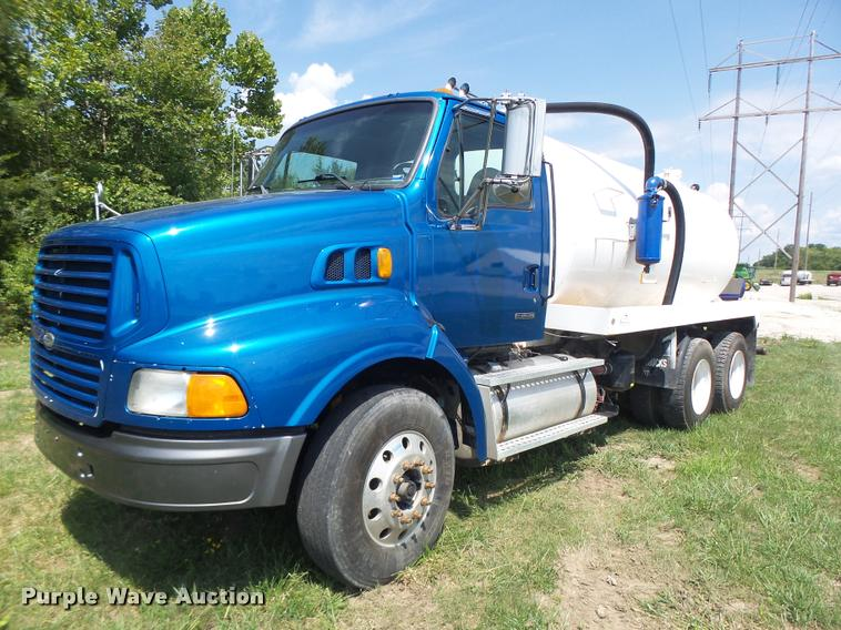 2000 Sterling A9500 vacuum truck