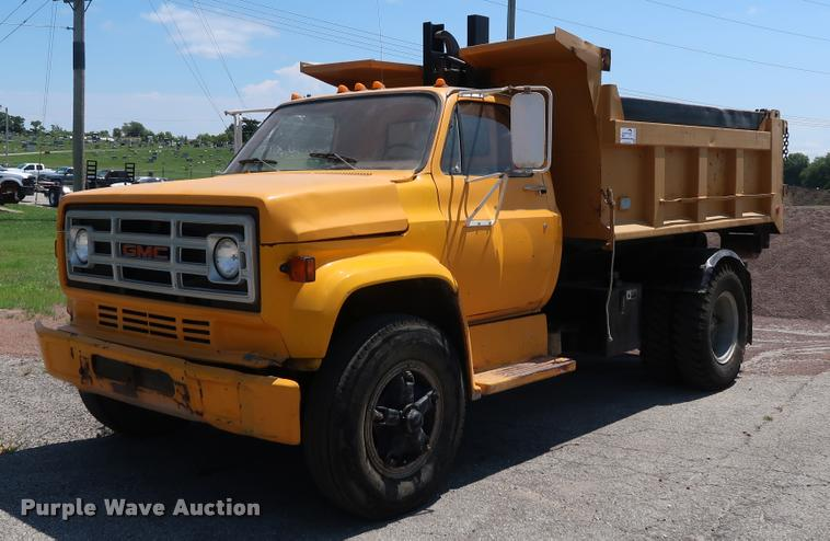 1988 GMC TopKick 7000 dump truck