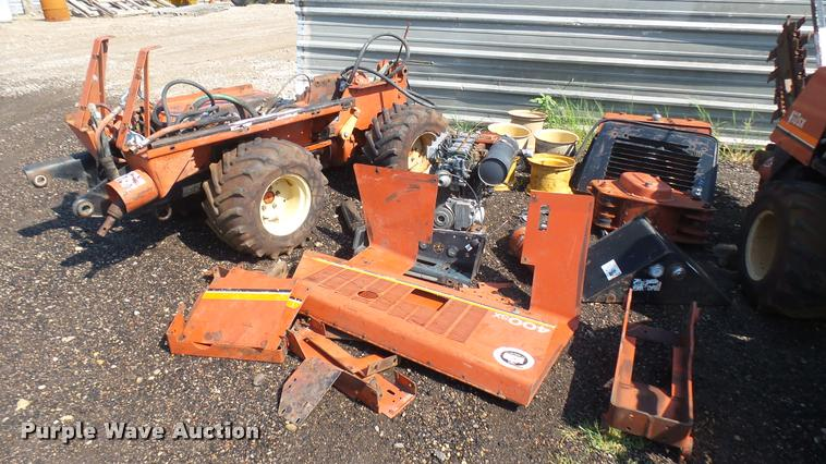 Ditch Witch 400SX vibratory plow