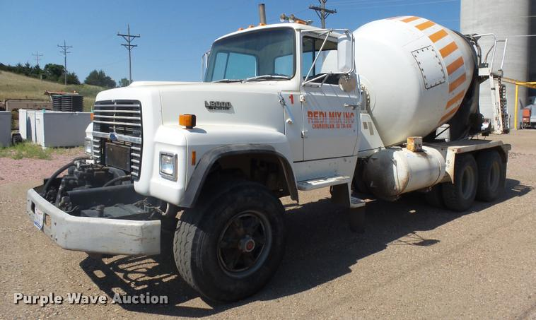 1989 Ford LT8000 ready mix truck