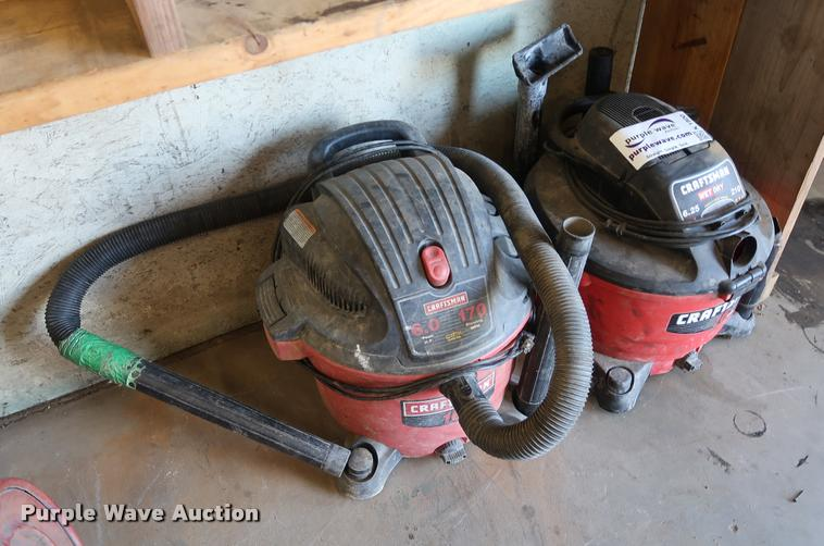 (2) wet/dry vacuums