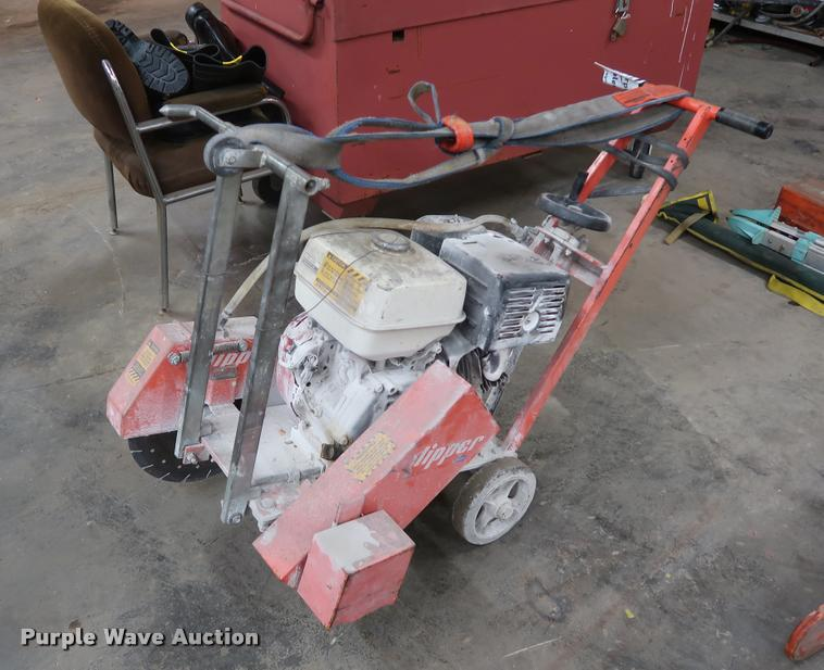 Clipper concrete saw