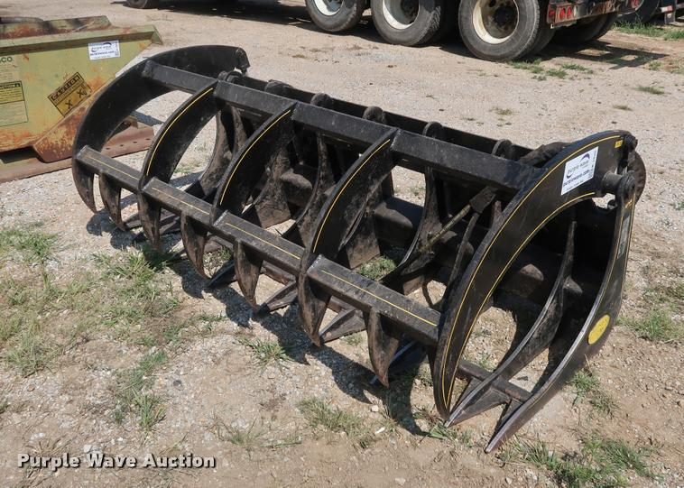 M&M skid steer grapple bucket