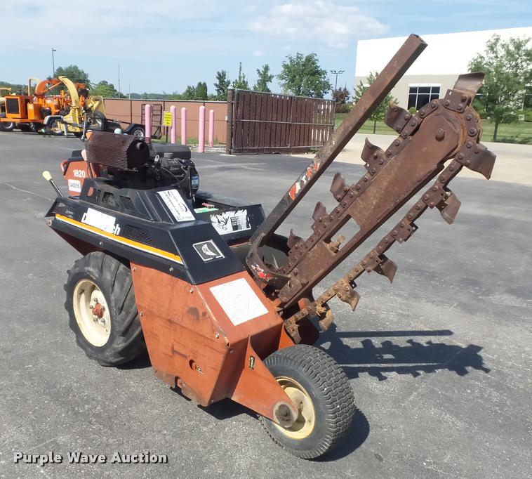 1994 Ditch Witch 1820 trencher