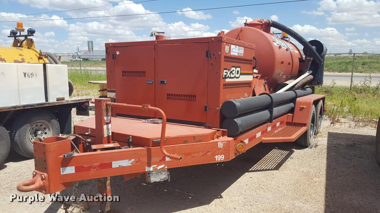 2012 Ditch Witch FX30 vacuum trailer