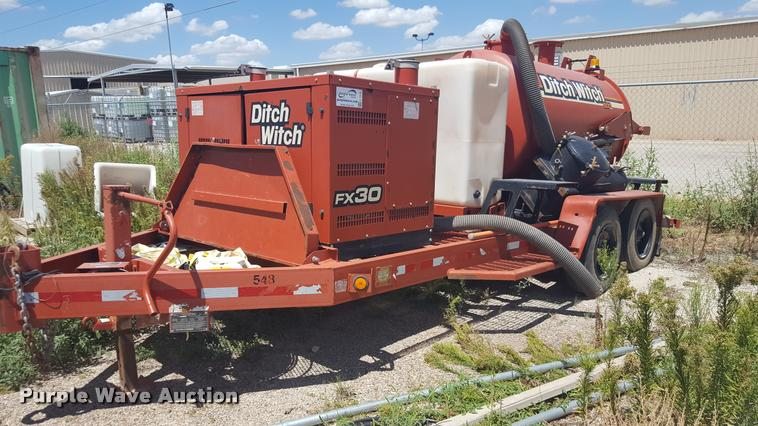 2013 Ditch Witch FX30 vacuum trailer