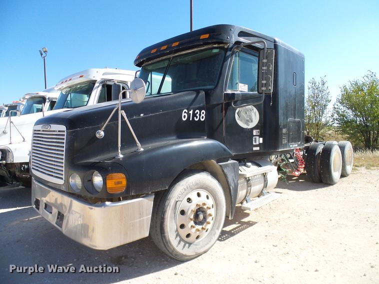 2003 Freightliner ST120 semi truck