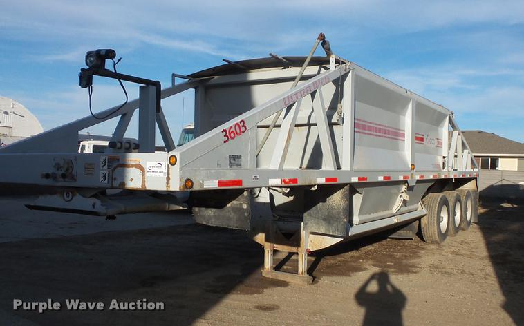 2007 R-way bottom dump trailer
