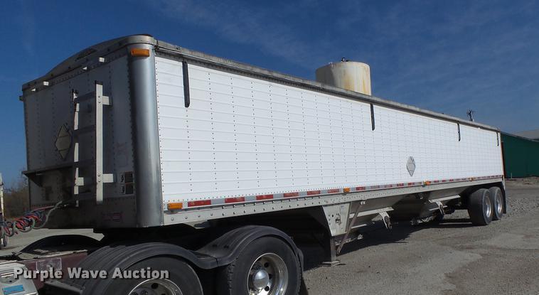 2005 Wilson DWH-500 double hopper grain trailer