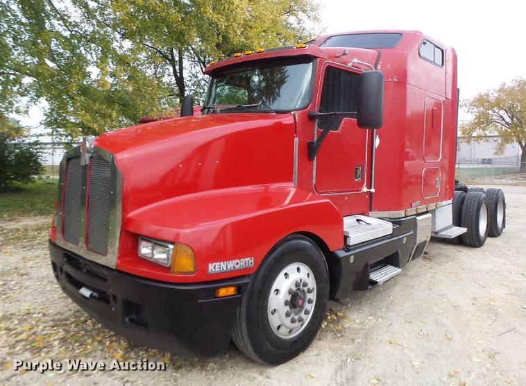 1995 Kenworth T600 semi truck