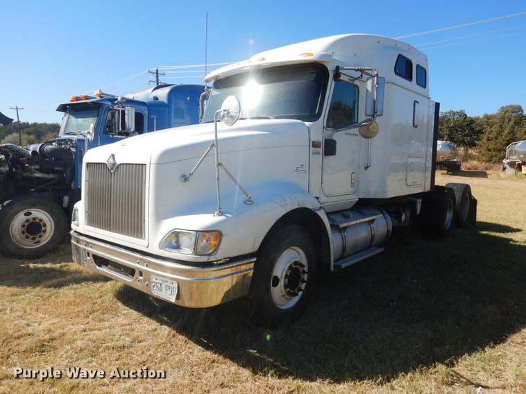 2006 International 9400i semi truck