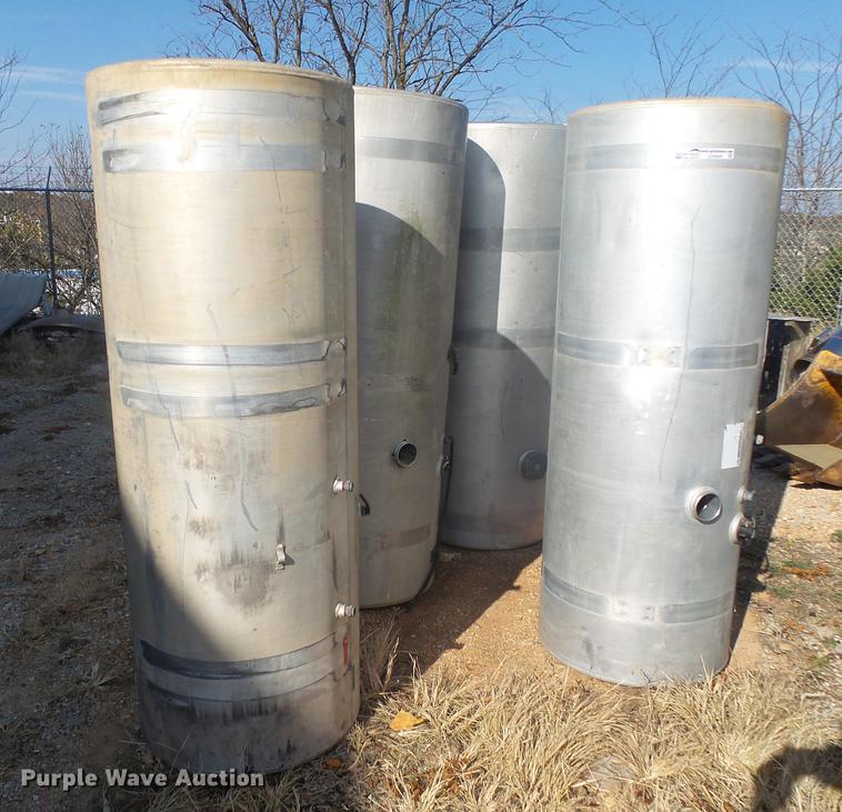 (6) fuel tanks