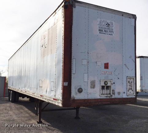 1987 Miller dry van trailer