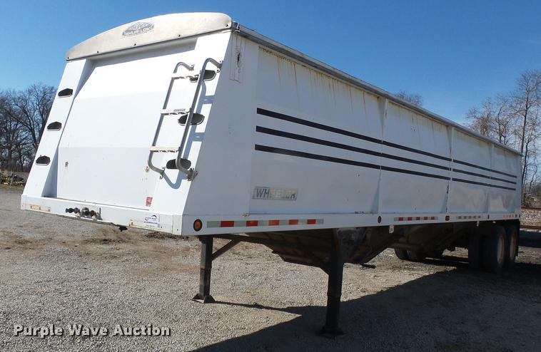 2004 Wheeler GH2225KA38 double hopper bottom grain trailer