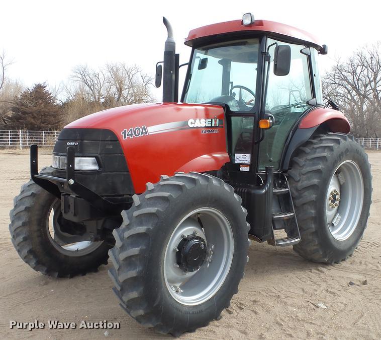 2015 Case IH Farmall 140A MFWD tractor