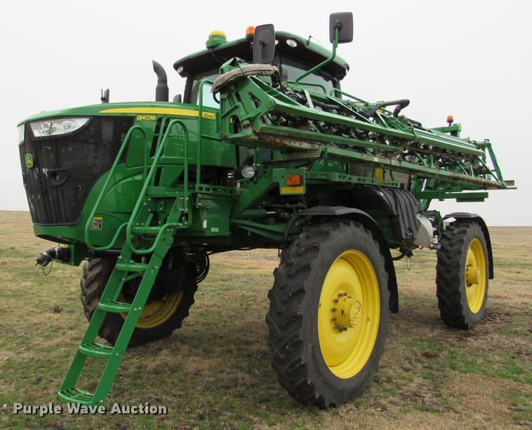 2014 John Deere R4038 self-propelled sprayer