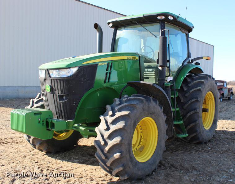 2011 John Deere 7200R MFWD tractor