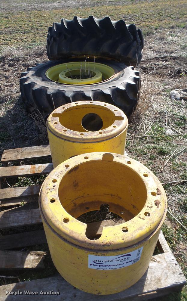 John Deere dual tires and hubs