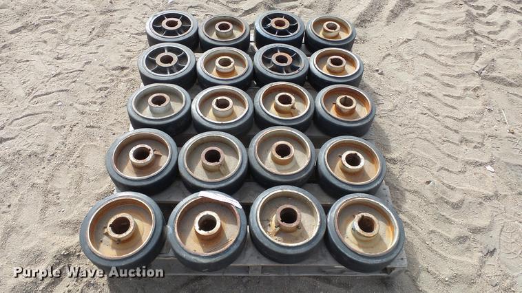 (20) caster wheels