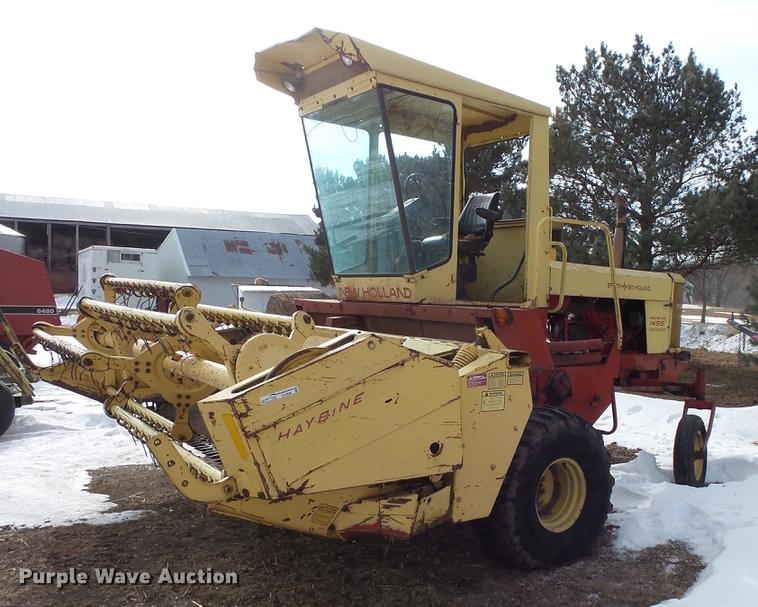 1981 New Holland 1495 self-propelled windrower