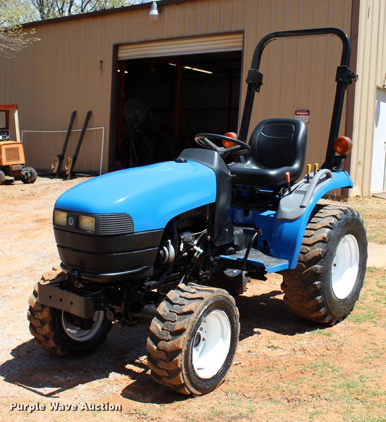 New Holland TC18 MFWD tractor