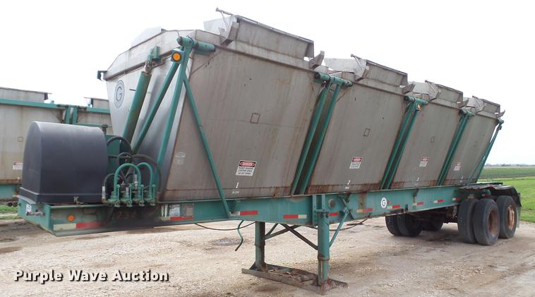1977 Killebrew KST-R-1977 tender trailer