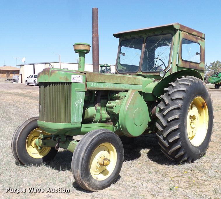 1958 John Deere 820 tractor