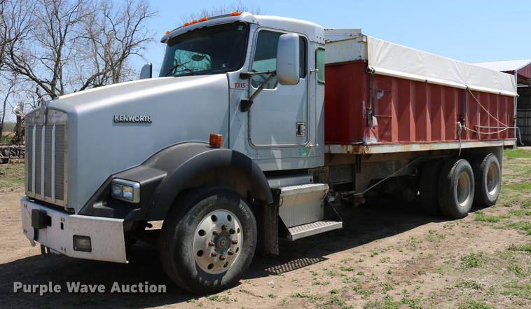 1999 Kenworth T800B grain truck