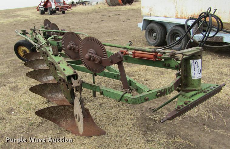 John Deere five bottom plow