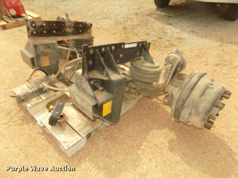 Silent Drive steerable pusher axle