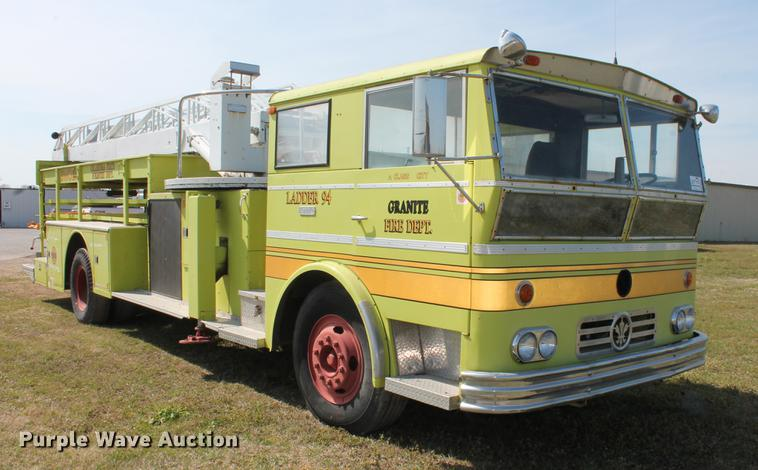 1967 Lafrance A75 ladder fire truck