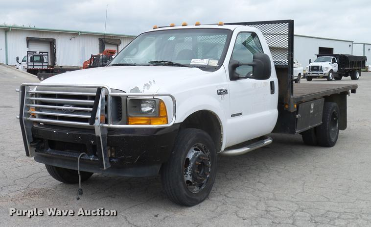 2001 Ford F450 Super Duty XL flatbed truck