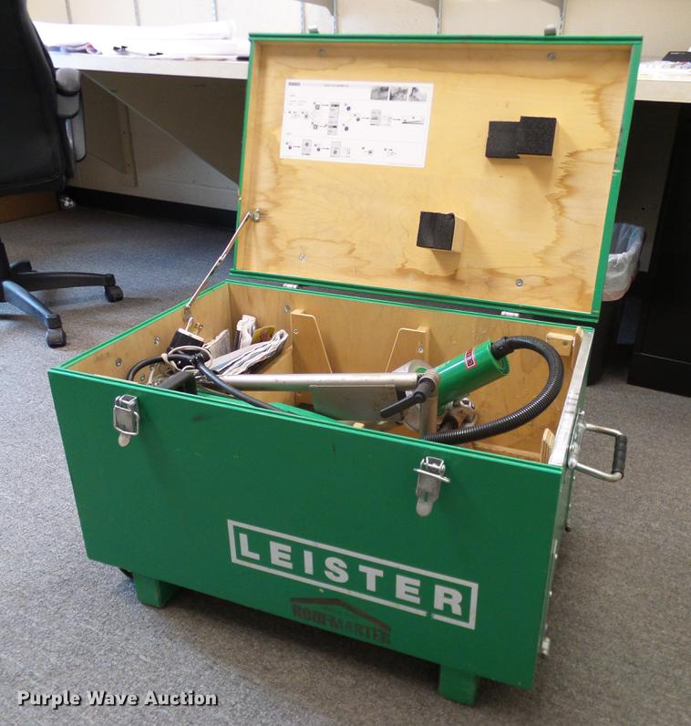 Leister Varimat V2 robotic hot air roofing welder
