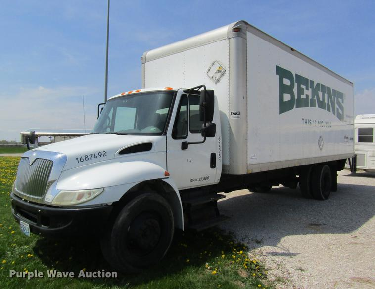 2007 International 4200 box truck