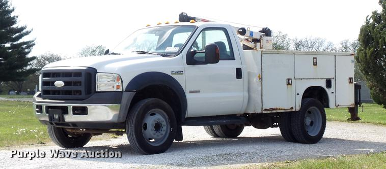 2006 Ford F450 Super Duty XL utility truck with crane