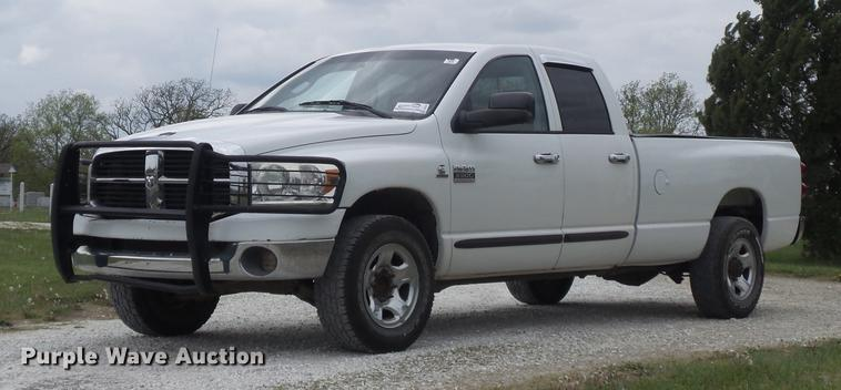 2007 Dodge Ram 3500HD SLT Quad Cab pickup truck