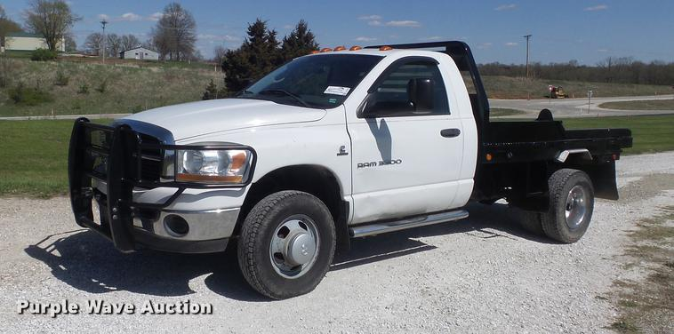 2006 Dodge Ram 3500 bale bed pickup truck